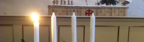 Adventtikynttilät Porvoon tuomiokirkossa