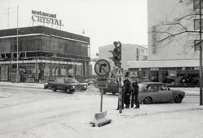 Crystal-Herlevi-kulma Mannerheiminkatu Porvoo vuonna 1975