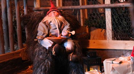Runebergin kodin joulupolku tallitonttu