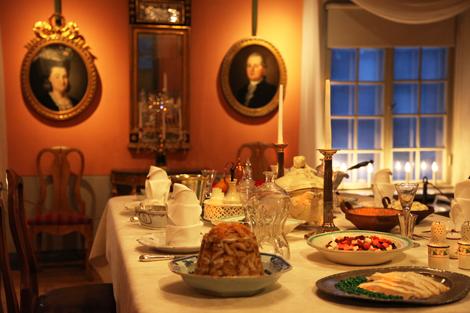 Porvoon museon joulu, joulupöytä Holmin talossa