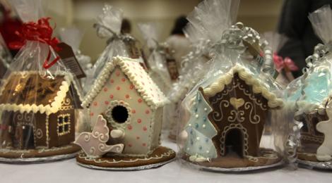 Piparkakkutalo Porvoon joulumarkkinoilla, kuva: Tuula Lukic