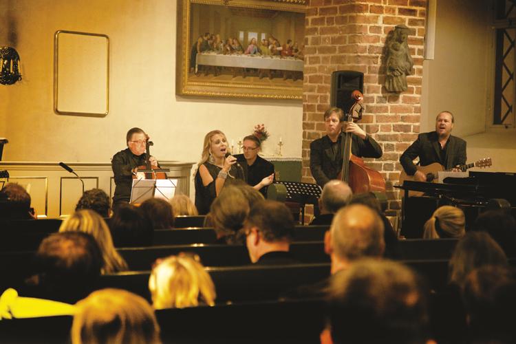 Joulukonsertit Porvoo 2017, kuvassa Liisa Moliis Porvoon tuomiokirkossa 2014.