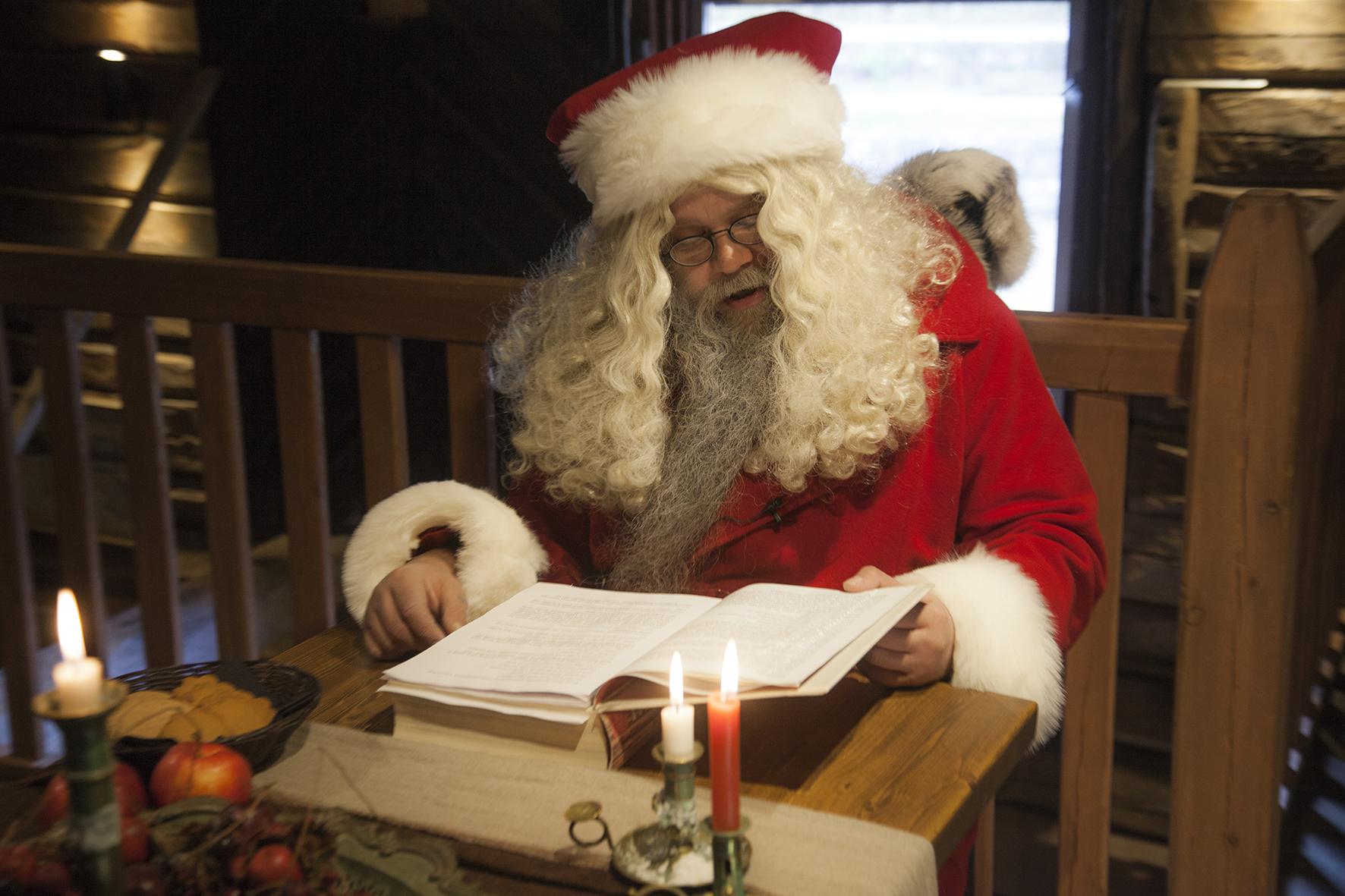 TaikaTarinat joulupukin kanssa