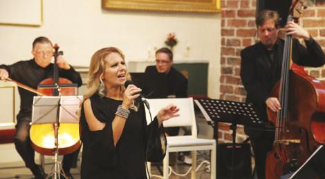 Liisa Moliis-Niininen konsertti Porvoon tuomiokirkossa 2014.