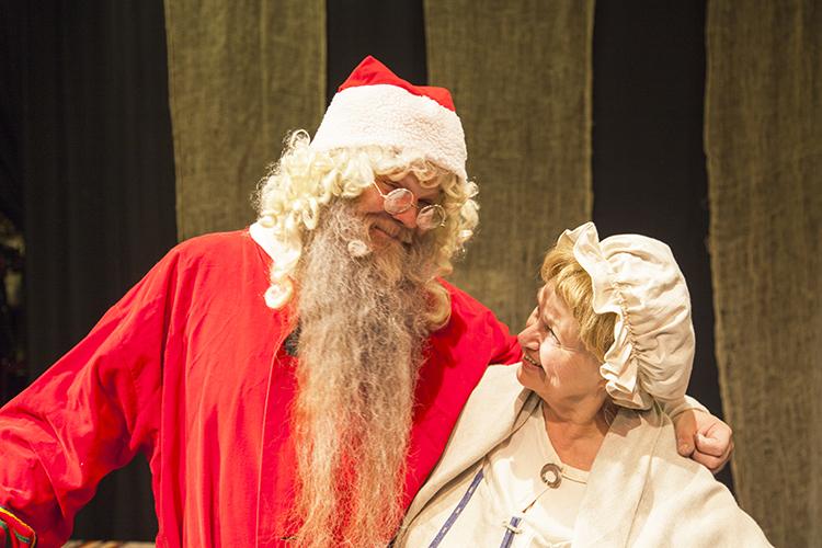 joulupukki ja joulumuori Porvoon Teatterilla v. 2016