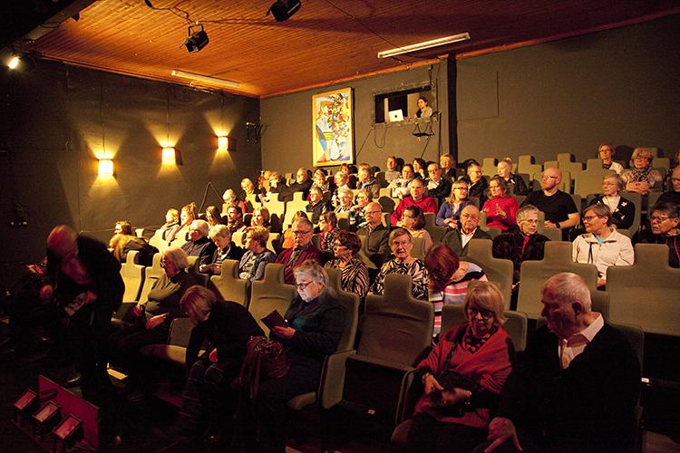 Porvoon Teatteri yleisöä 1.12.2019